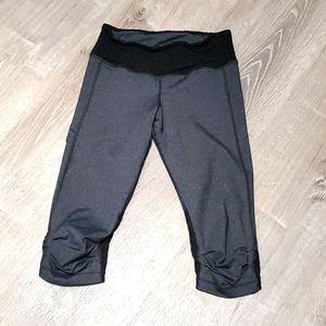 VimMia gray black lace legging capris size S